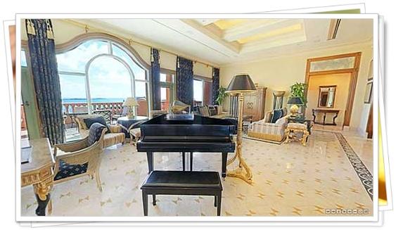 Suite con piano y sillones de oro