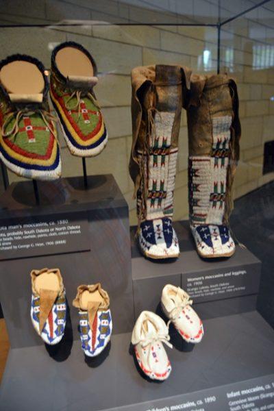 Vestimenta aborigen, una de las tantas que se pueden ver