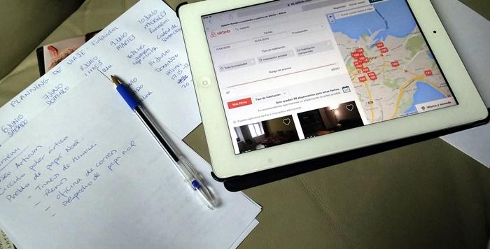 Así es como preparamos nosotros los viaje: lápiz y papel y mucha navegación por internet...