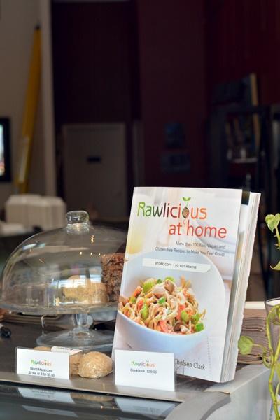 Si vas a Toronto visita Rawlicious, te encantará