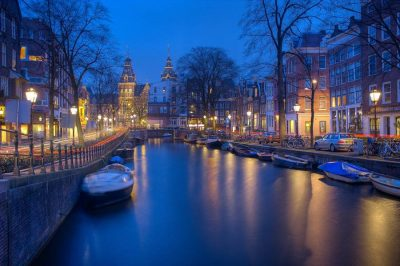 Recorrer los canales de Ámsterdam