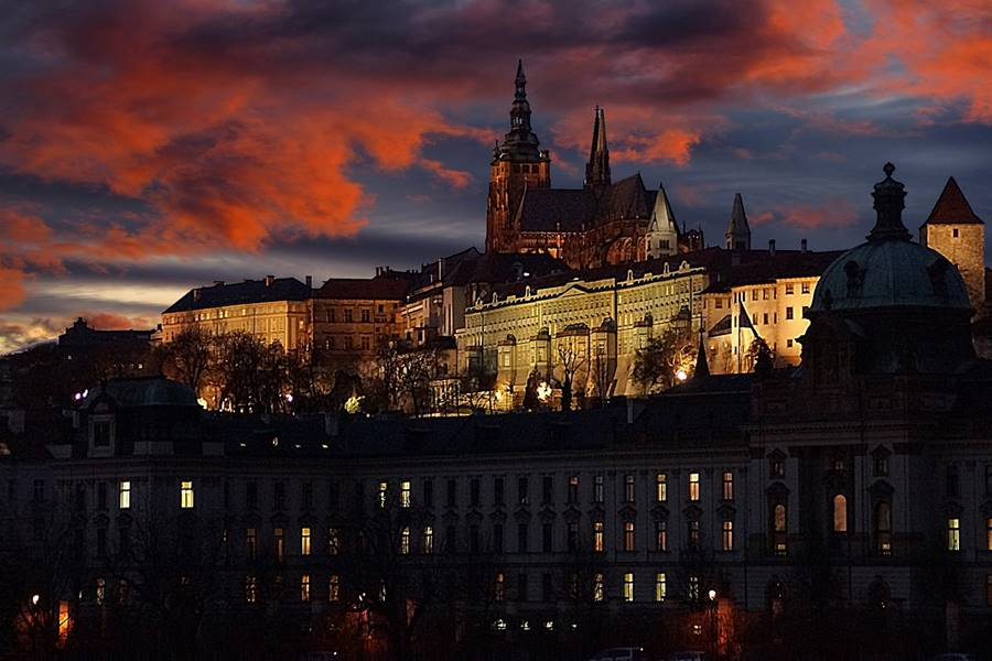 Visitar el castillo de Praga - De noche