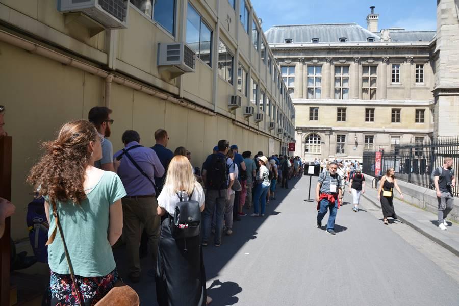 Visitar la Sainte-Chapelle de París - Cola de gente