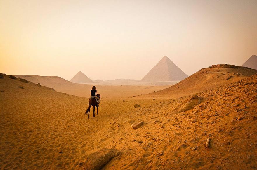 Postureo viajero - Pirámides
