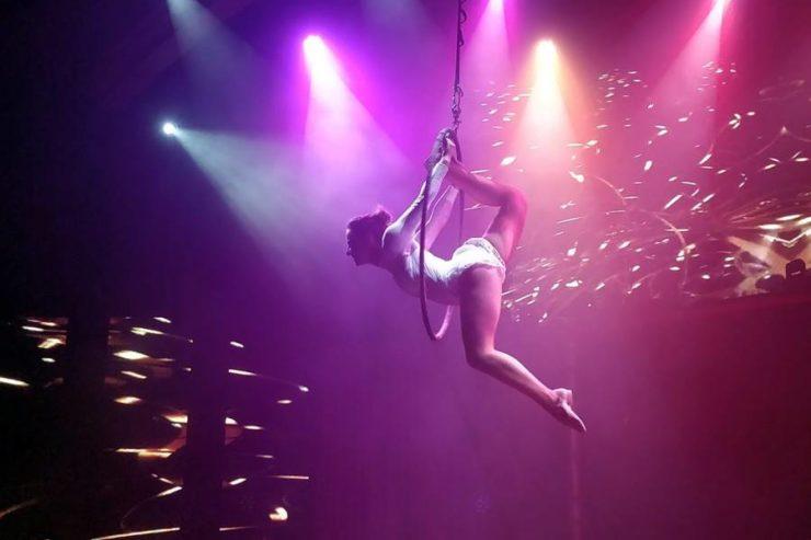 Todo incluido en Tenerife opiniones - Mujer en show nocturno