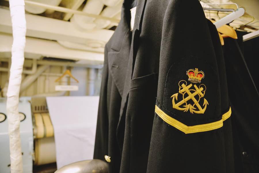 Visitar el Barco Britannia en Edimburgo, ropa de la tripulación